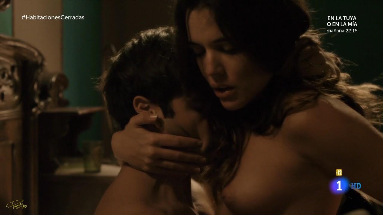 gratis Adriana Ugarte desnuda