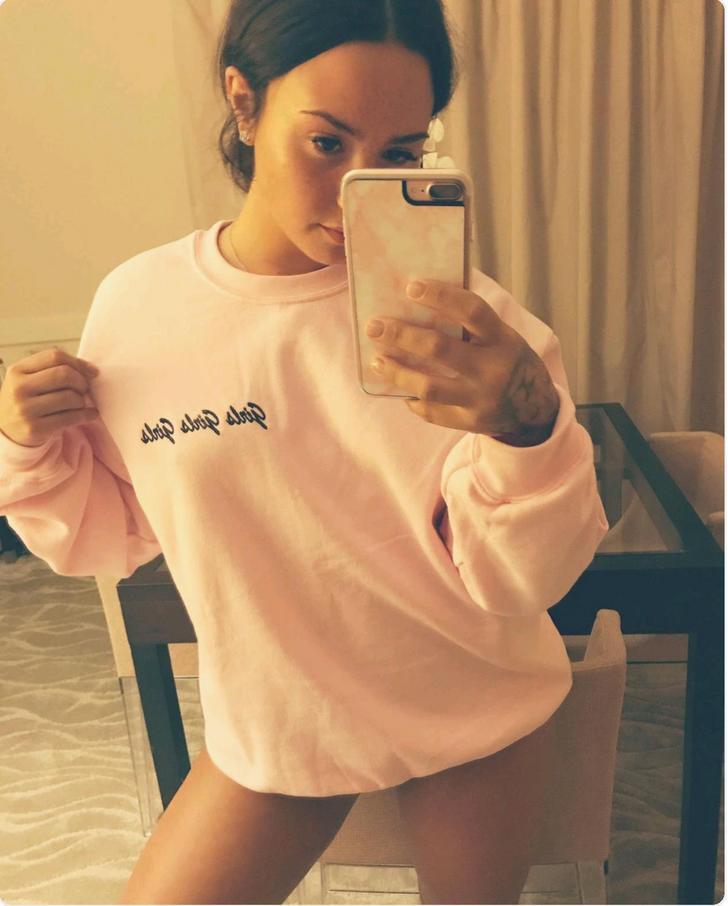 Demi Lovato imagenes parrocha
