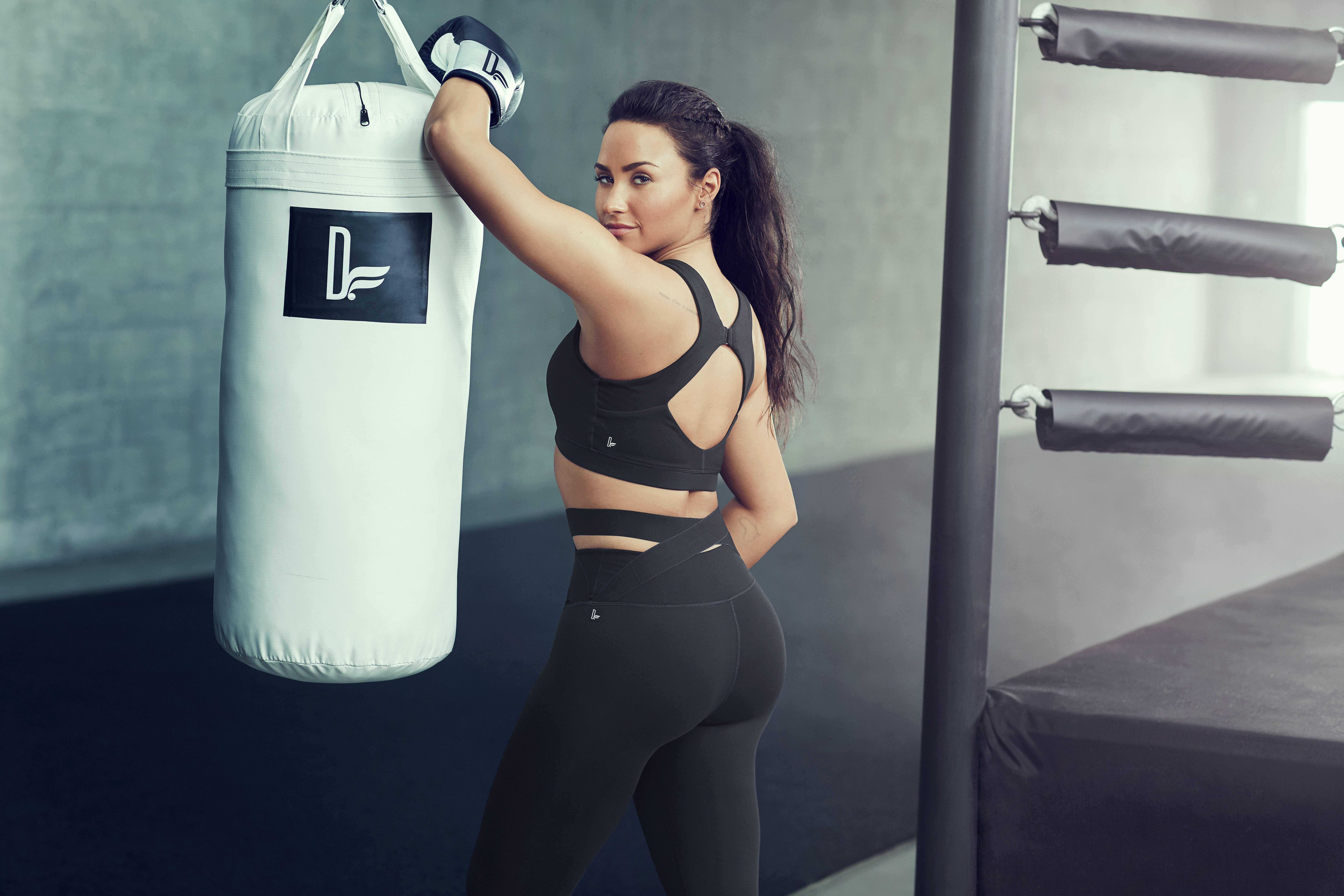 Demi Lovato serviporno