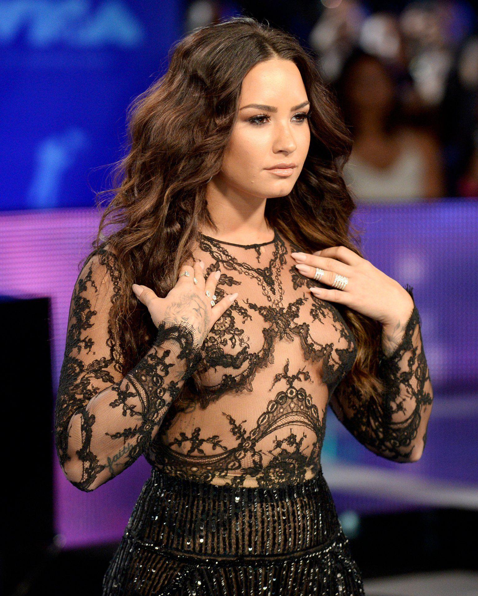 Demi Lovato vídeos porno