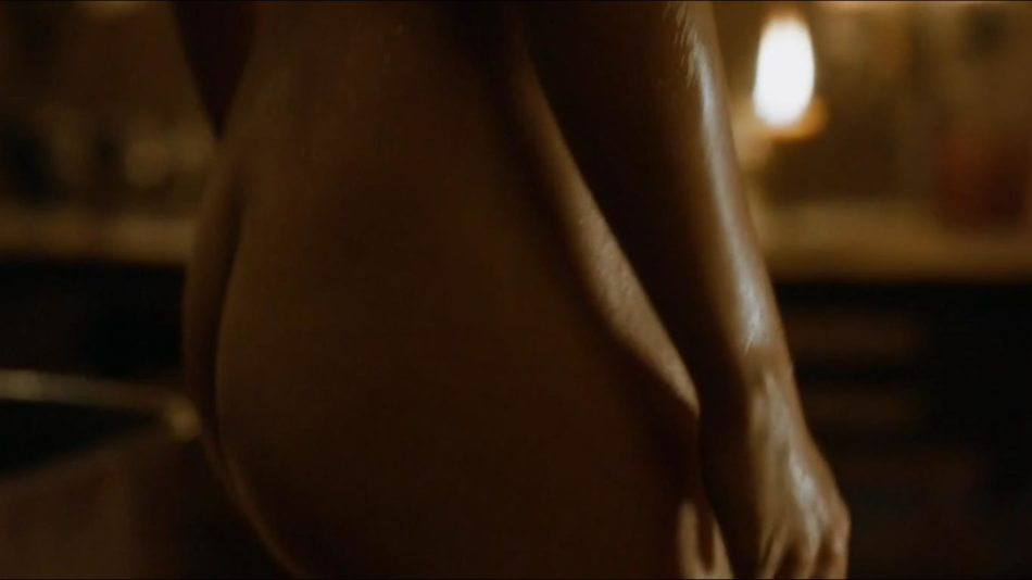 Emilia Clarke vídeos desnuda