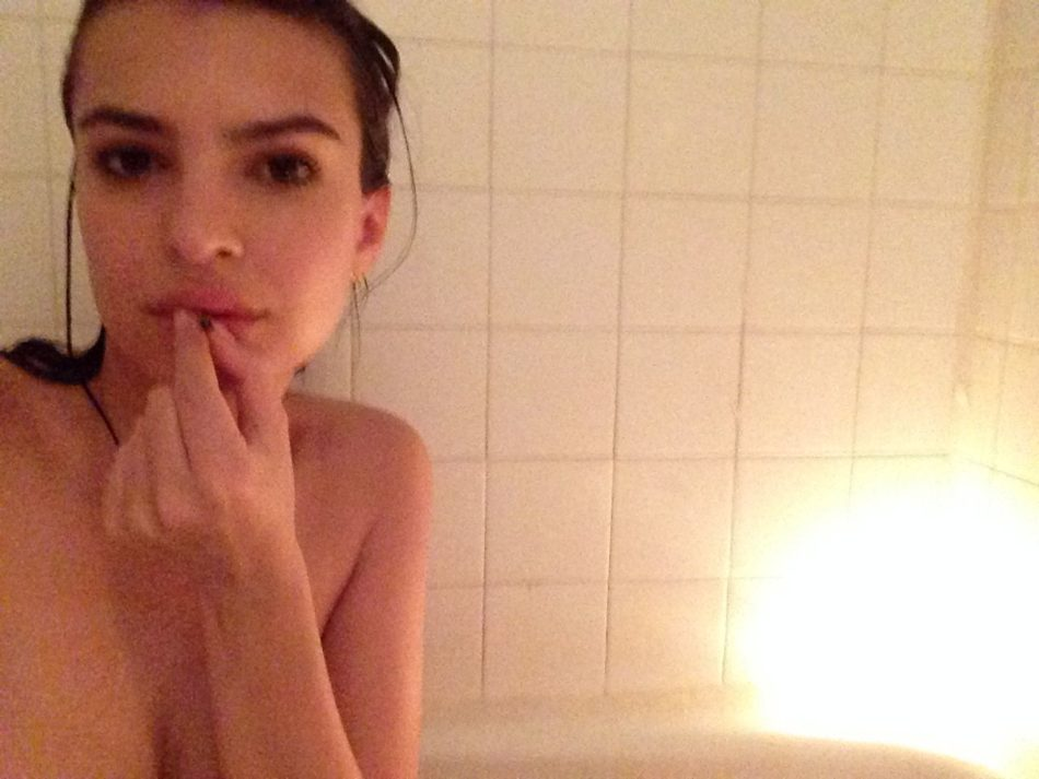 Emily Ratajkowski vídeos desnuda 1