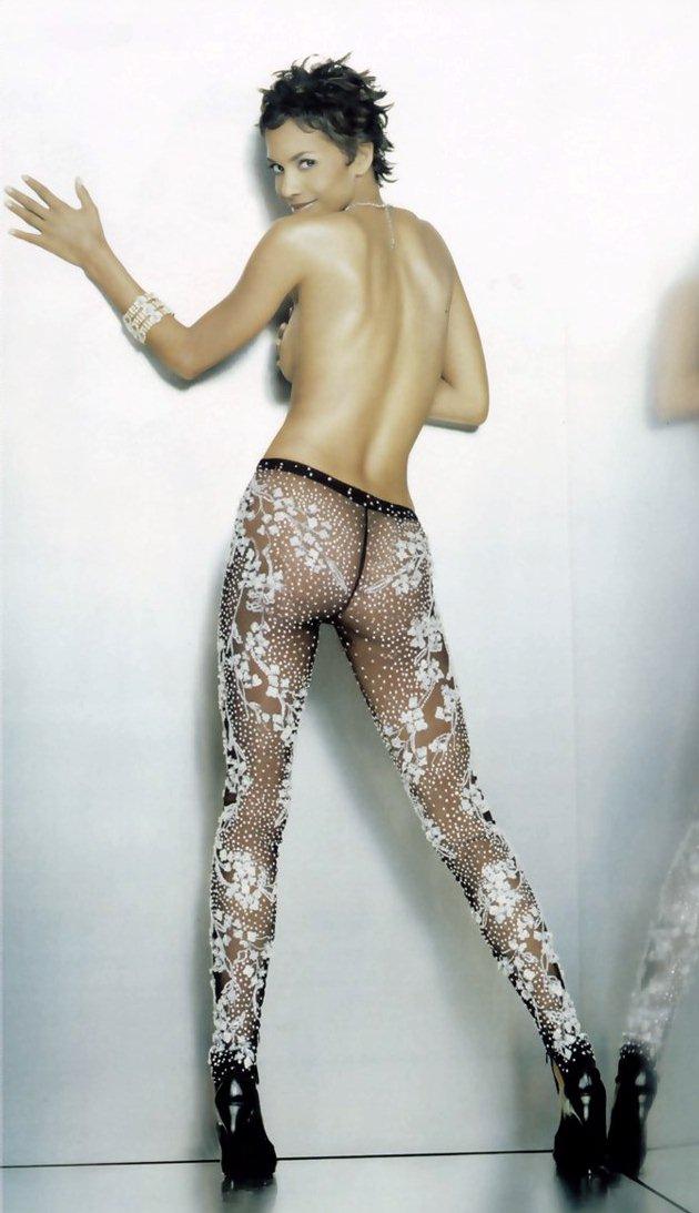 Halle Berry mamadas