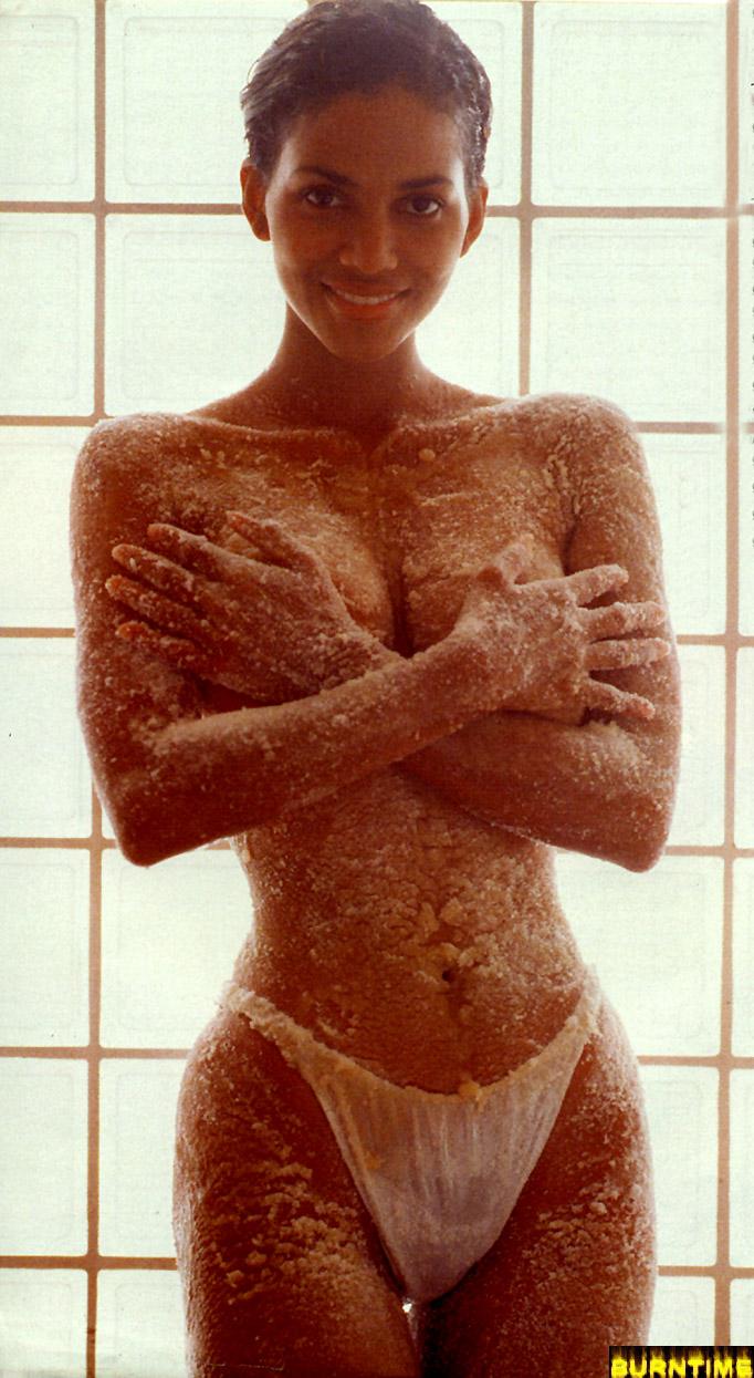 Halle Berry tetonas