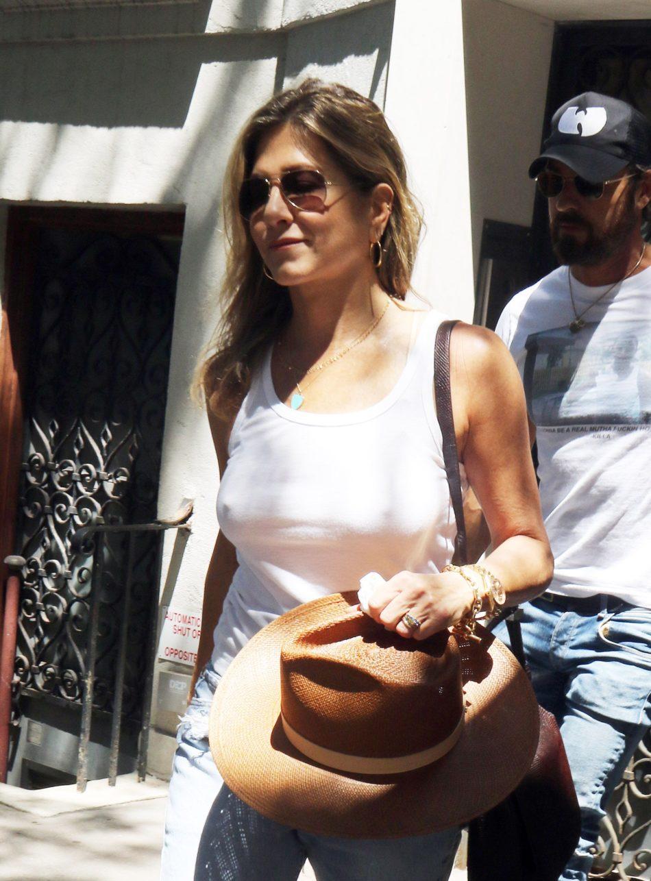 Jennifer Aniston gatita