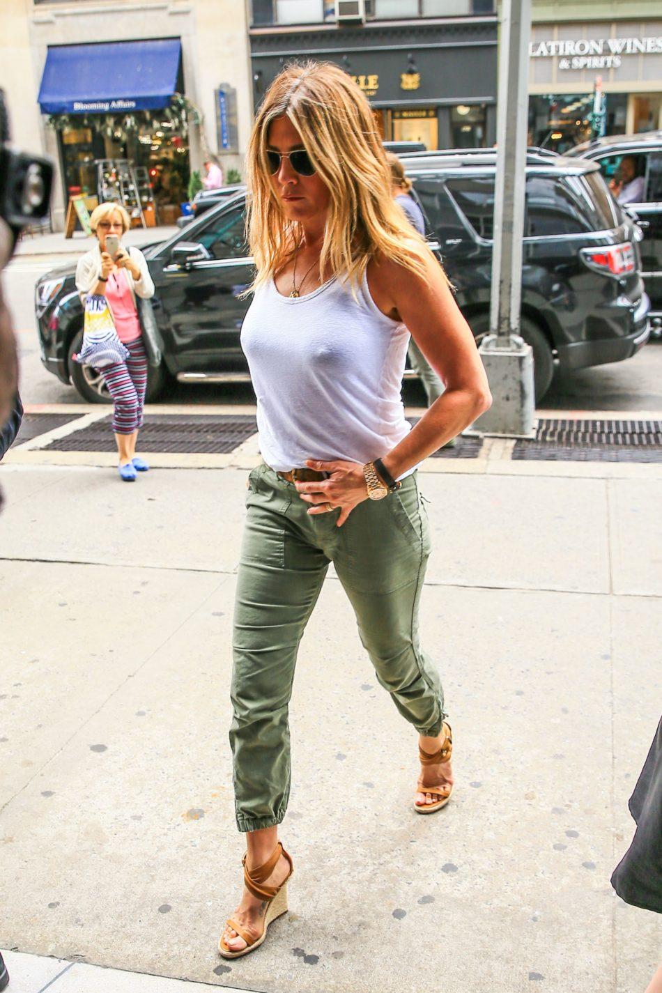Jennifer Aniston latina 1