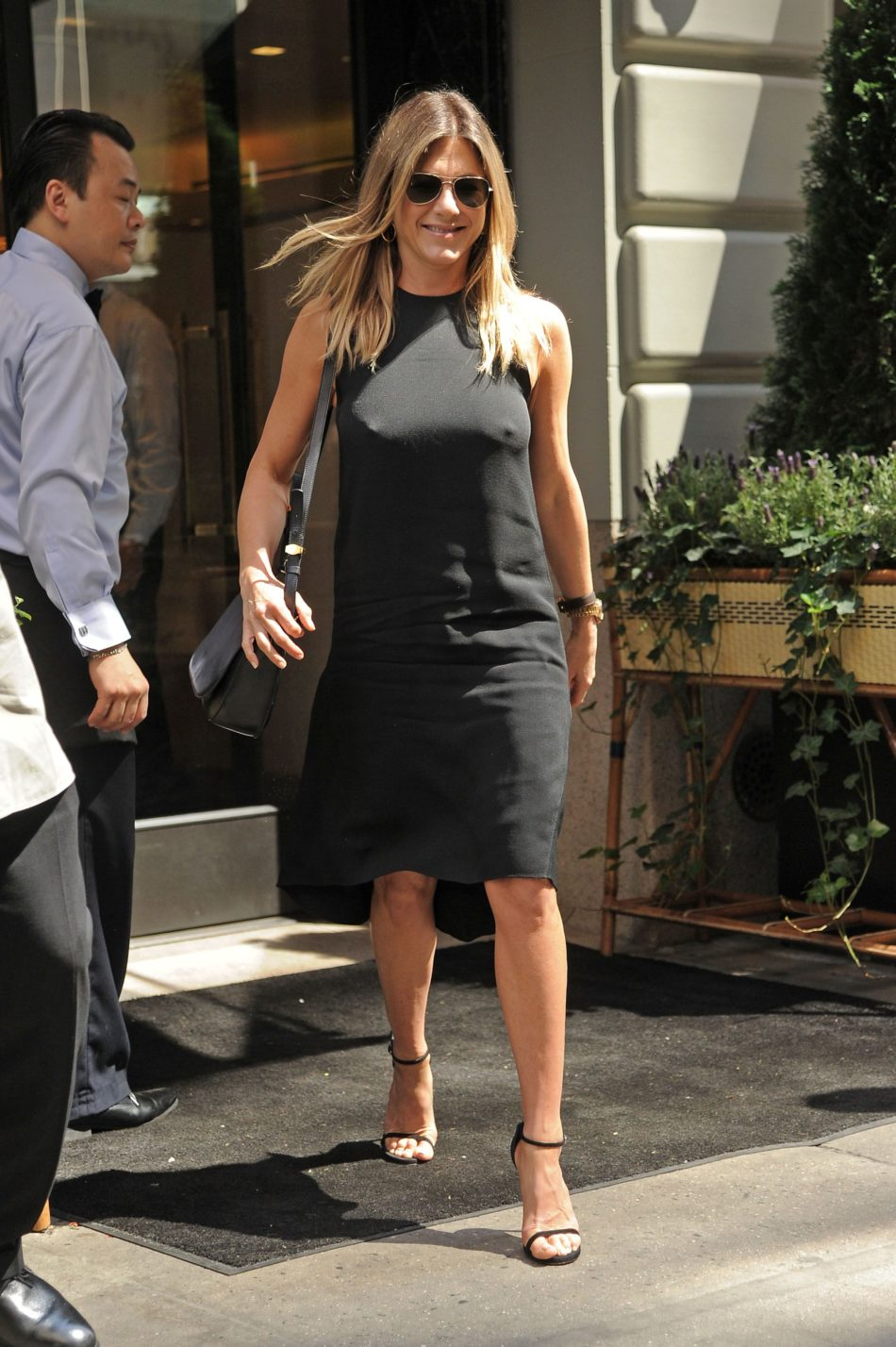 Jennifer Aniston robadas 1