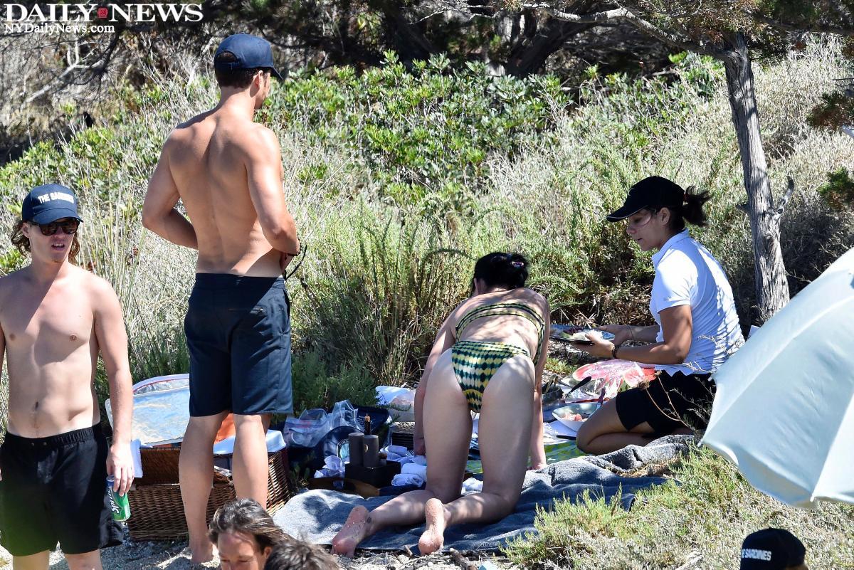 Katy Perry desnuda follando