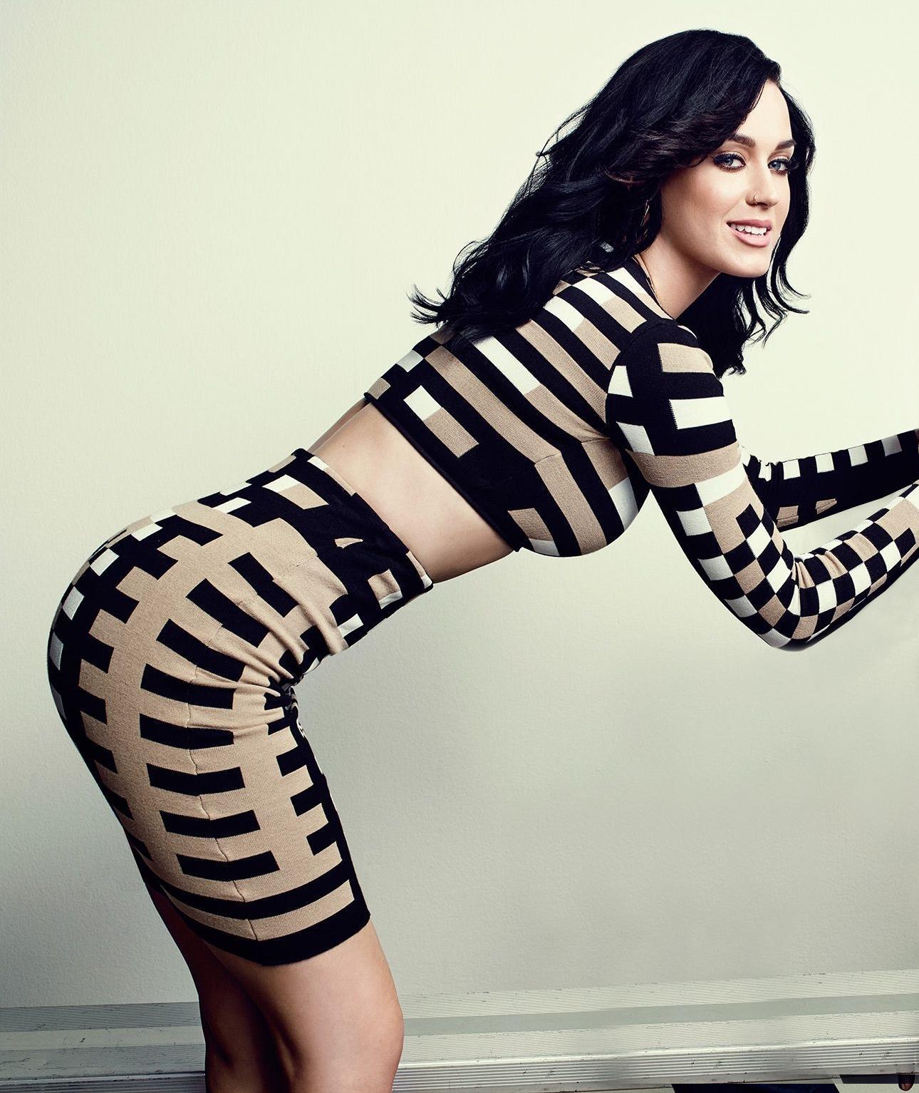 Katy Perry desnuda vídeo