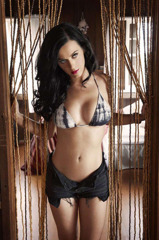 Katy Perry pillada desnuda