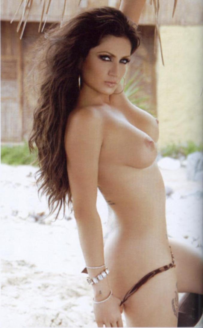 Celia Lora imagenes desnuda