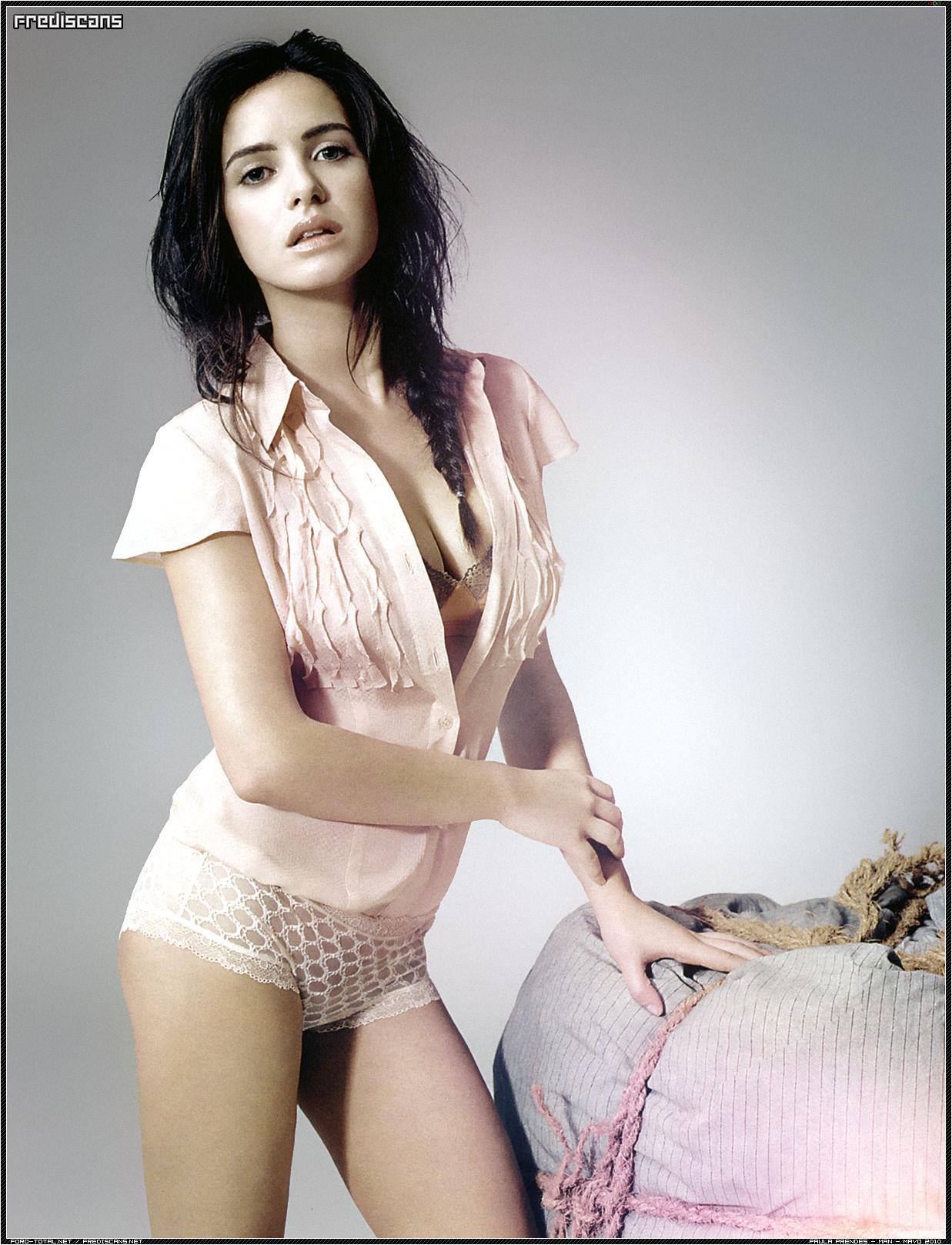 Paula Prendes topless