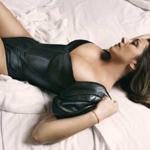 FOTOS: Sabrina Salerno se deja ver en topless y desnuda!