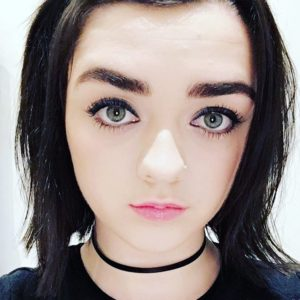 Maisie Williams vídeos