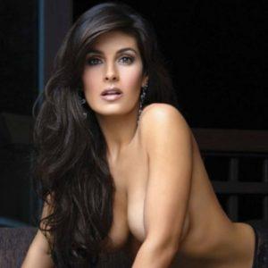 Mayrin Villanueva calientes