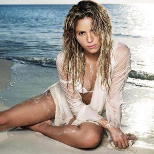 Shakira facial en la cara