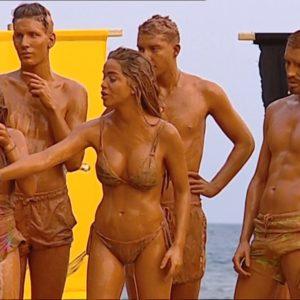 Violeta Mangrinan desnuda porno